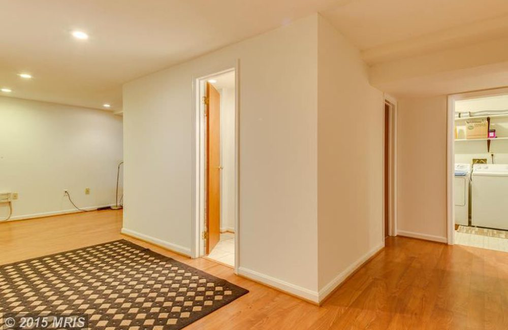 245 Amberleigh Dr, Silver Spring, MD 20905