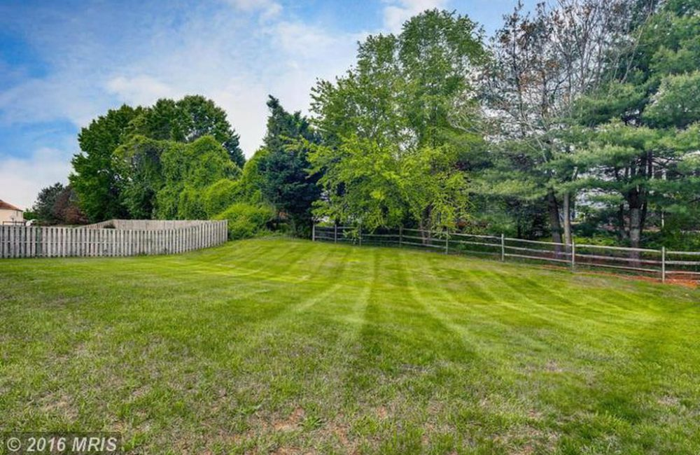 8312 Sweet Cherry Ln, Laurel, MD 20723