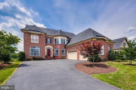 8604 Waterside Ct, Laurel, MD 20723